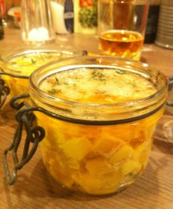 La-fromagee-mise-en-bocaux-4