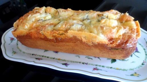 cake à la saucisse de morteau et livarot