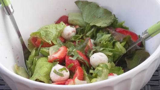 salade fraises mozzarella