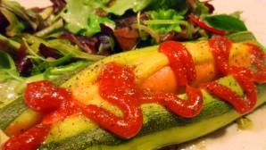 hot-dog-de-courgette-salade.jpg