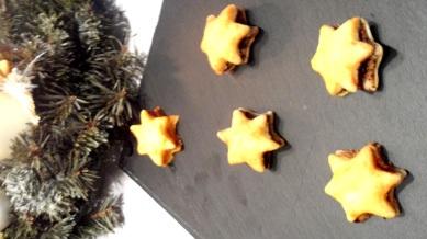 Etoiles feuilletées au caviar de tomates séchées et tapenade