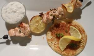 Brochette-de-poulet-a-l-ail-et-au-citron-assiette-2