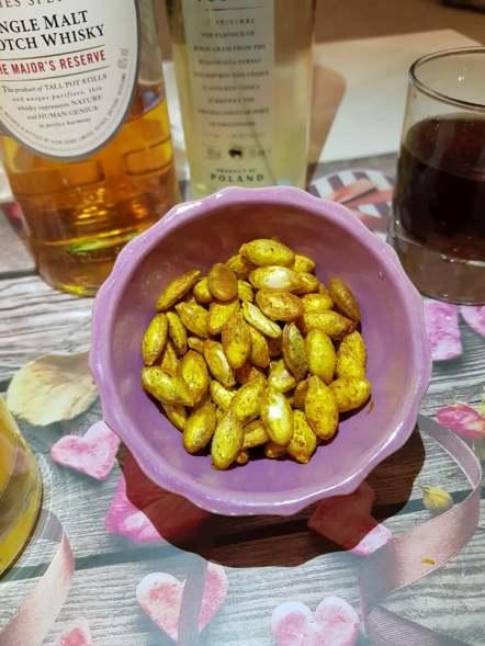 Soupe de potimarron et ses graines grill es au curcuma les food 39 amour - Graines de potimarron grillees ...