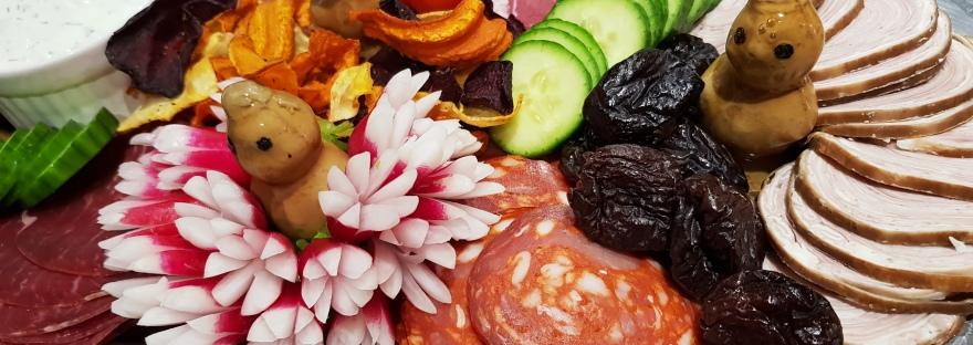 Id e pour votre plateau de charcuterie les food 39 amour for Idee plat original