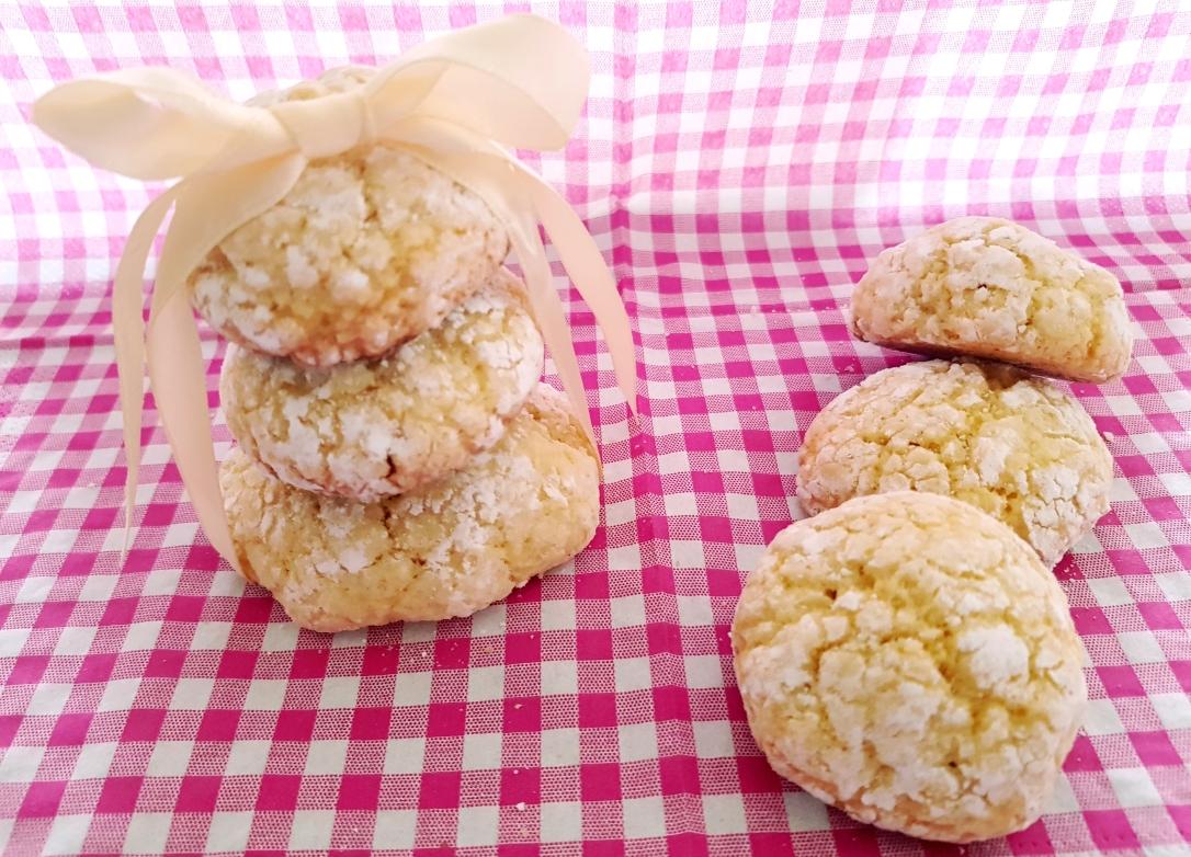 Petits gâteau croquants moelleux à la noix de coco