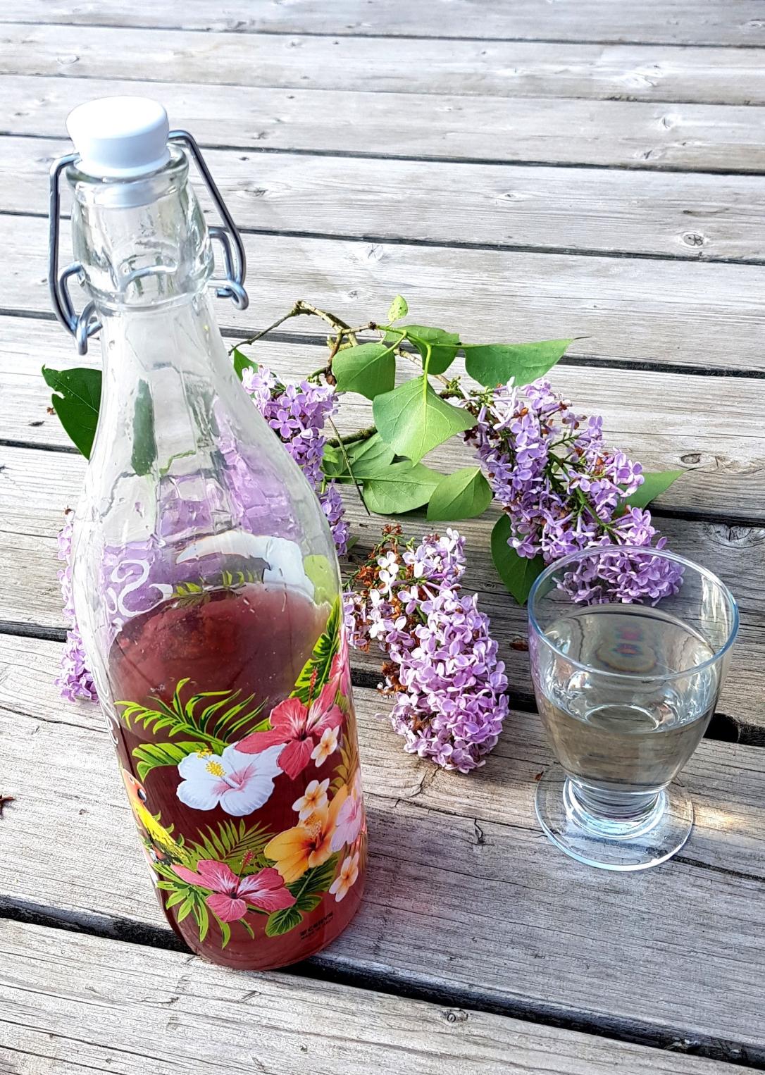 sirop-de-fleurs-de-lilas.jpg